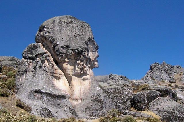 Risultati immagini per Monumento all'Umanità marcahuasi